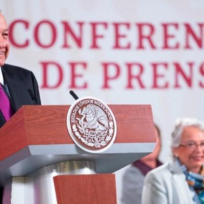 AMLO no descarta reforma constitucional energética para fortalecer Pemex y CFE