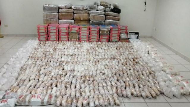 FGR y Sedena aseguran media tonelada de crystal y varios kilos de drogas en Sonora