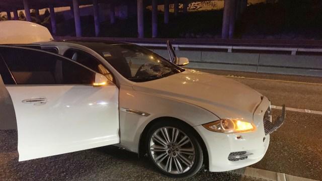 Auto atropella a 2 mujeres durante bloque en autopista de Seattle