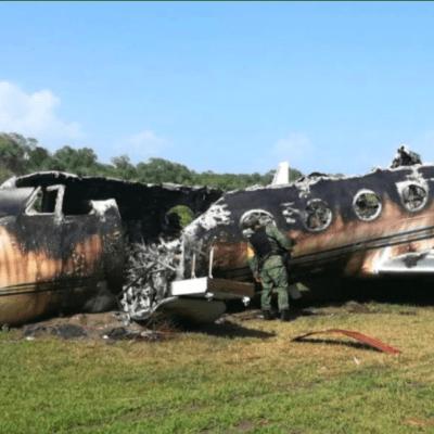 Militares encuentran avioneta incinerada en Mapastepec, Chiapas