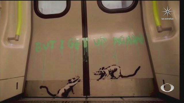 Bansky se infiltra en el Metro de Londres y hace sus dibujos de ratas