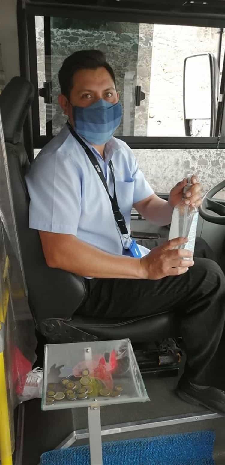 Mario alberto miranda medina, conductor ruta 30 que adapta medidas contra covid 19