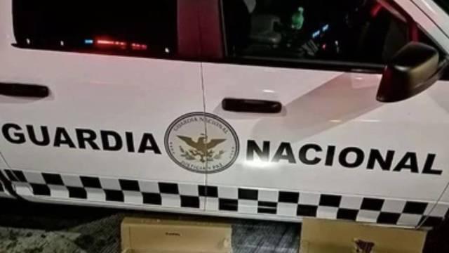 Elementos de la Guardia Nacional realizaron un decomiso de droga en la carretera 73 + 800 de la carretera Durango-Villa Unión; cargamento tiene valor aproximado de 3.5 millones de pesos