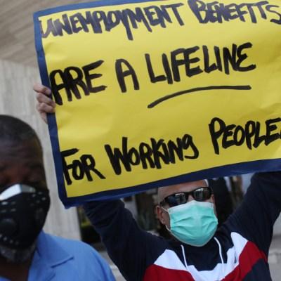 Aumentan pedidos de ayuda por desempleo en EEUU por crisis de COVID-19