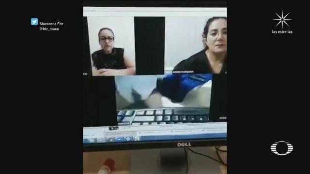 video de audiencia entre una jueza y un abogado sin pantalones