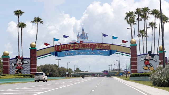 Disney World reabre en medio de repunte de casos en Florida. FOTO AP
