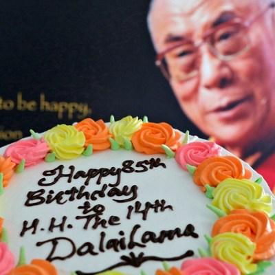 El dalái lama celebra su cumpleaños 85 con un álbum de mantras