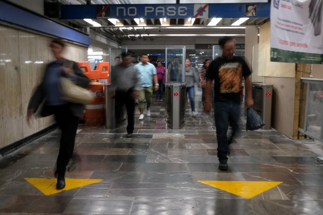 Cierran-estación-Zócalo-del-Metro-por-manifestantes