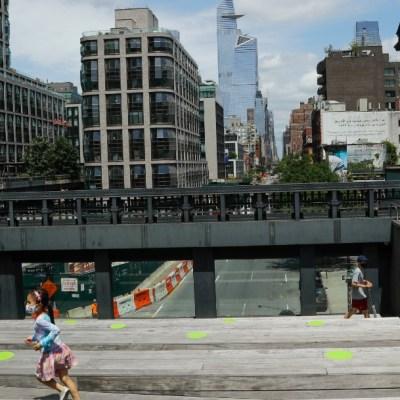 Nueva York reiniciará rodajes de cine y ampliará servicios al aire libre