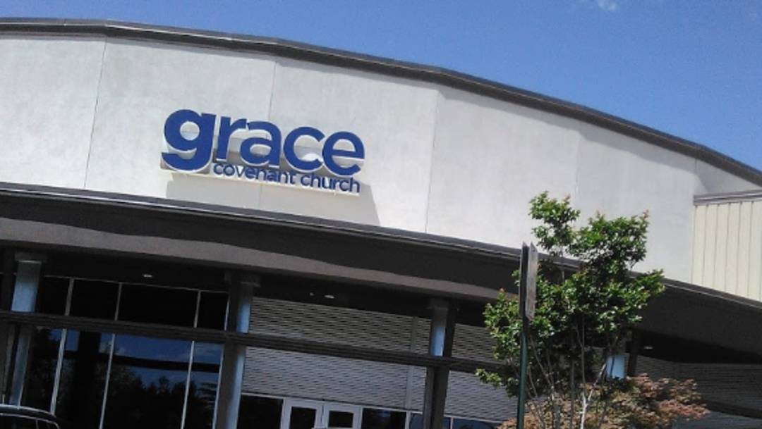 Tres personas resultaron heridas durante un apuñalamiento la tarde del 18 de julio en la iglesia Grace Covenant en Fairfax, Virginia, Estados Unidos