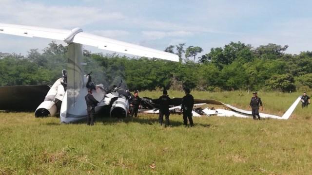 Decomisan 2,100 kilos de cocaína junto a un jet en aldea de Guatemala