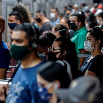 Jair Bolsonaro veta uso obligatorio de cubrebocas en lugares cerrados en Brasil