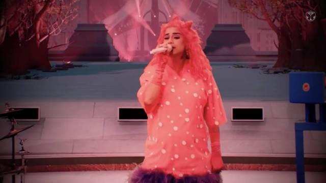 """Katy Perry se presentó en la inédita edición virtual del festival Tomorrowland con dos temas de su nuevo álbum """"Smile"""""""