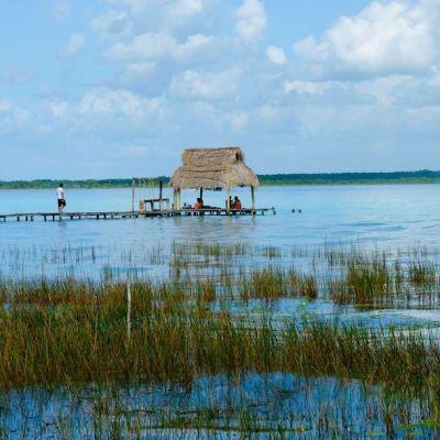 Laguna de Bacalar perderá sus 7 colores por turismo desordenado: Experta de la UNAM