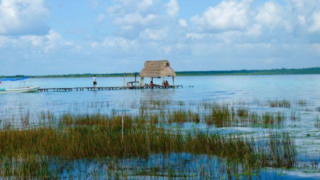 Laguna Bacalar, Colores en Peligro por Turismo, Foto