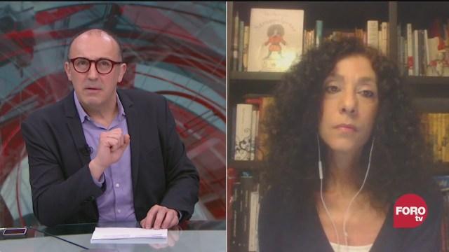 Julio Patán platica con la periodista Leila Guerreiro sobre 'Teoría de la gravedad', su nuevo libro que recolecta sus columnas
