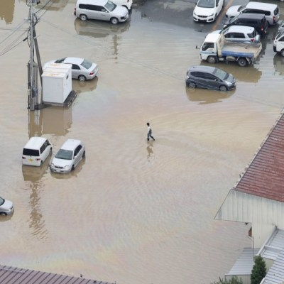Lluvias causan inundaciones y deslaves en norte de Japón