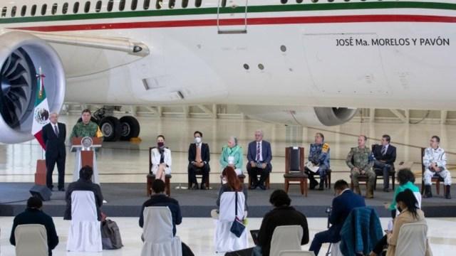 Luis Cresencio Sandoval en conferencia mañanera sobre avión presidencial
