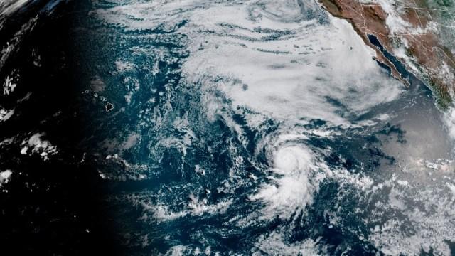 Mapa satelital de la localización del huracán Douglas