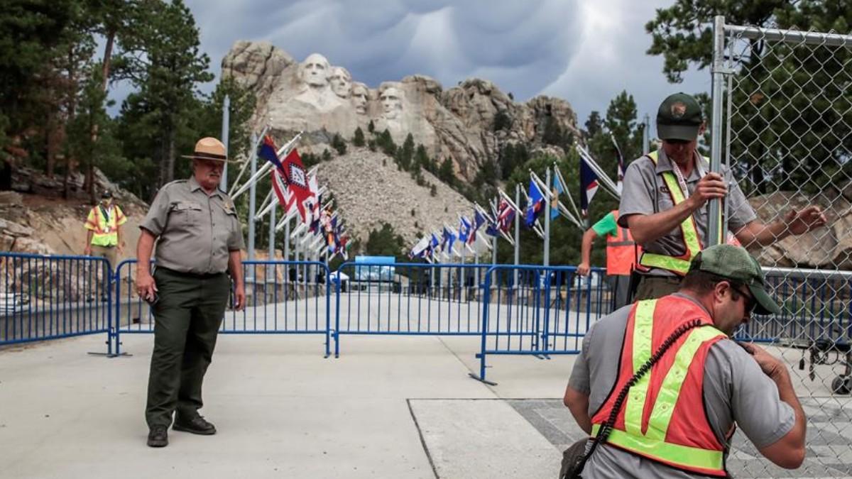 Monte-Rushmore-EEUU-se-alista-para-celebrar-Día-de-la-Independencia