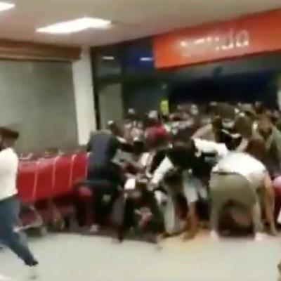 Ofertas en supermercado de Chilpancingo provocan estampida de personas en plena pandemia