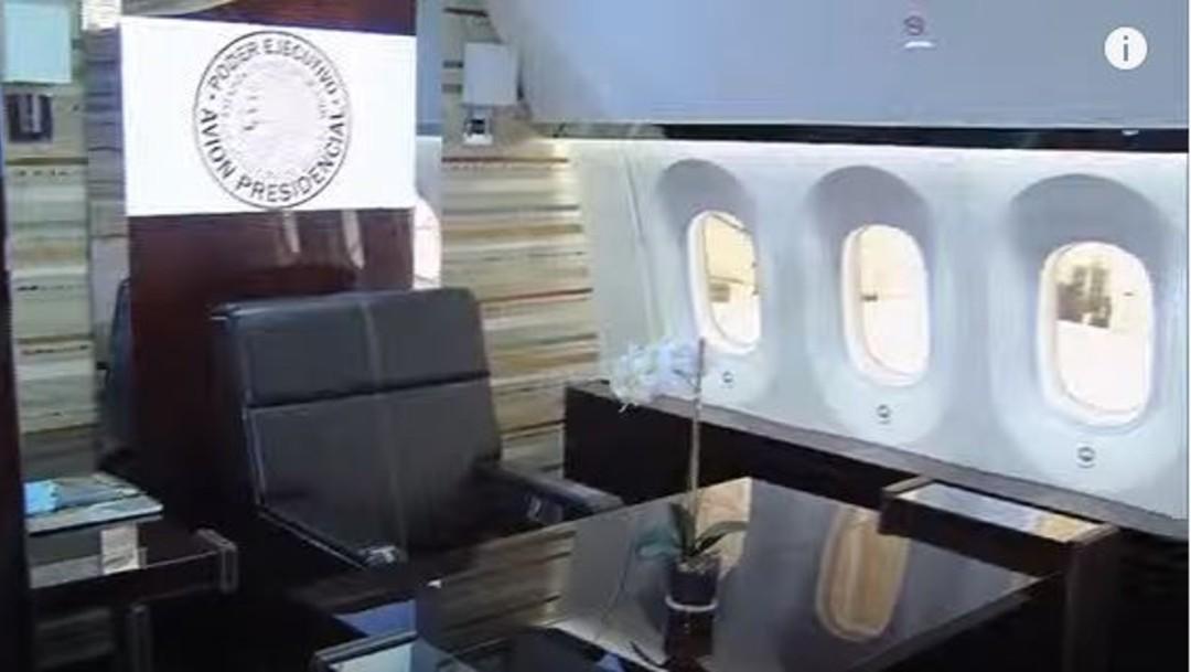 Oficina presidencial en avión presidencial