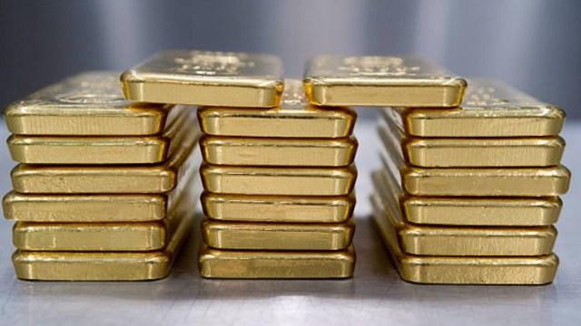 El oro supera la barrera de 1,800 dólares por onza por primera vez desde 2011