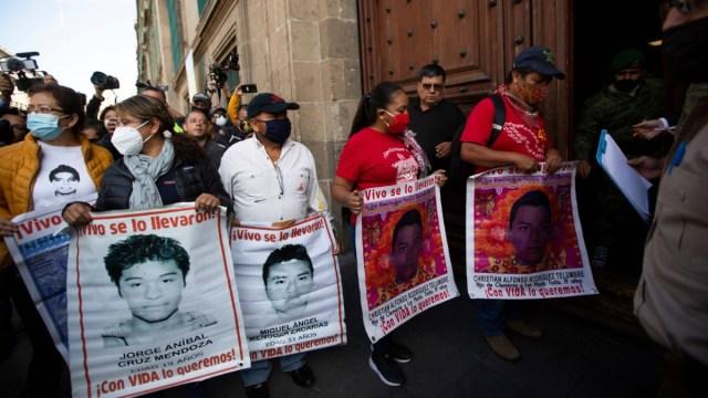 AMLO-se-compromete-a-trabajar-para-resolver-caso-Ayotzina