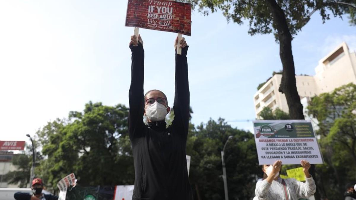 Protesta-contra-AMLO-en-embajada-de-EEUU-en-México