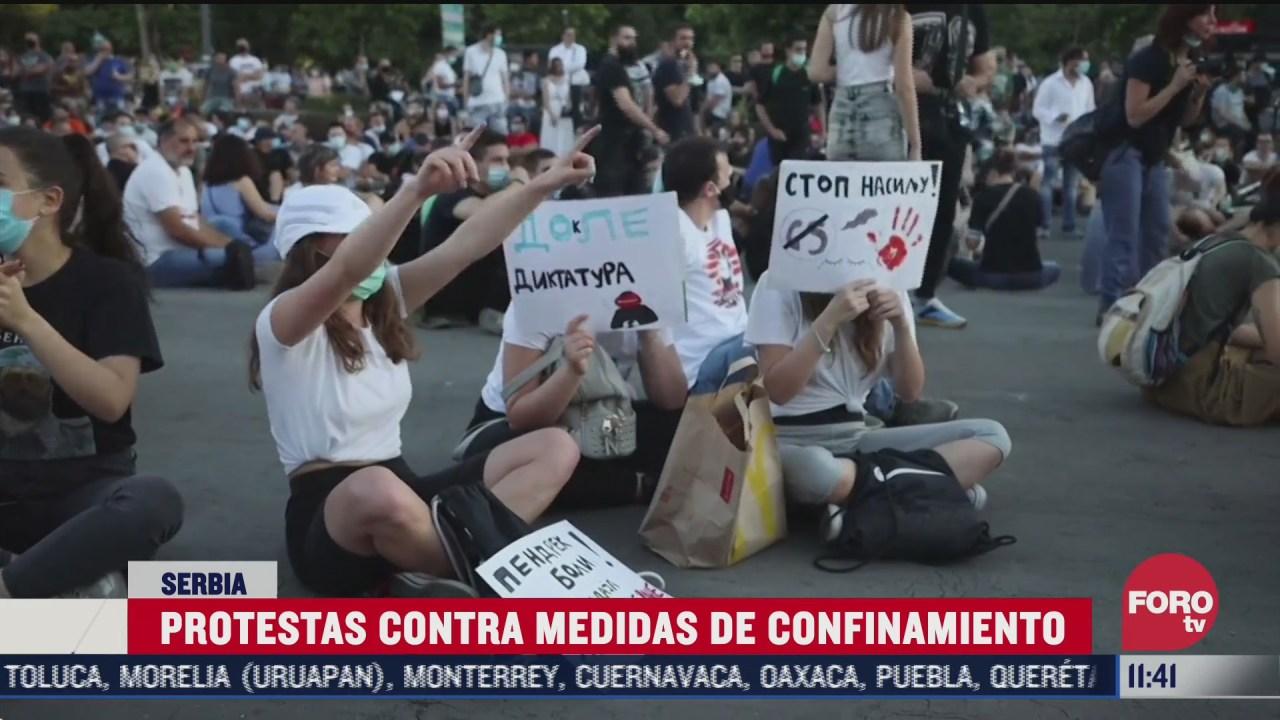 protestas contra medidas de confinamiento en serbia