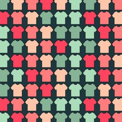 Reto visual: Encuentra las 4 playeras de cuello en V escondidas entre el resto
