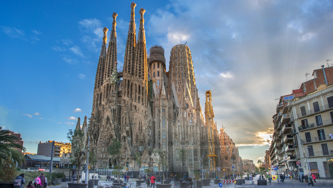 Reabre la Sagrada Familia de Barcelona tras tres meses cerrada