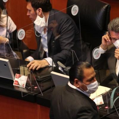 Senadores de Morena se practican prueba de COVID-19