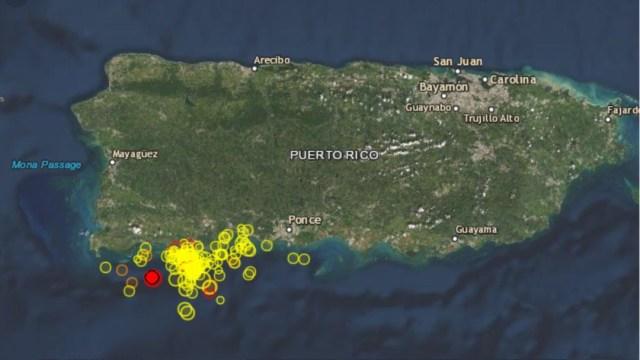 El Servicio Geológico de Estados Unidos informó que el sismo tuvo su epicentro a 5 kilómetros al sureste de La Parguera, a una profundidad de 6 kilómetros.