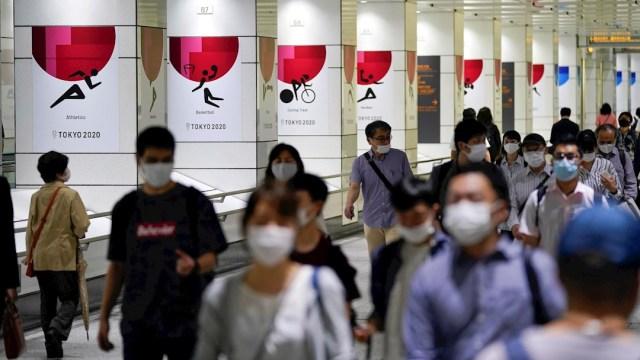 Tokio baja de 200 nuevos casos diarios de COVID-19 por primera vez