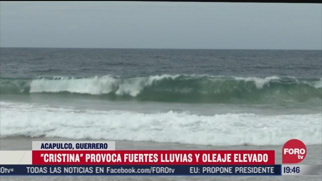 Aumenta oleaje en Colima y Guerrero por tormenta cristina que provoca lluvias en las entidades