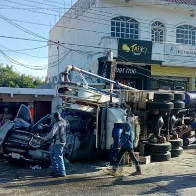 Grúa impacta camioneta de la Marina en Mazatlán; hay un muerto y varios lesionados