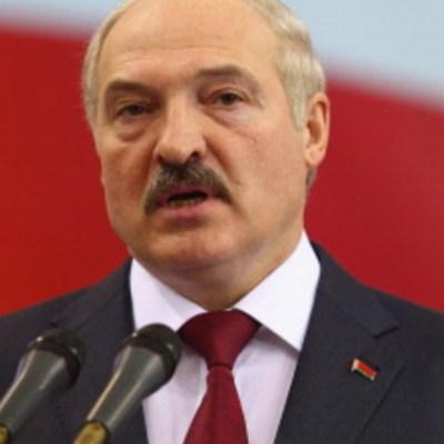 Miles de manifestantes salen a las calles para pedir renuncia del presidente de Bielorrusia