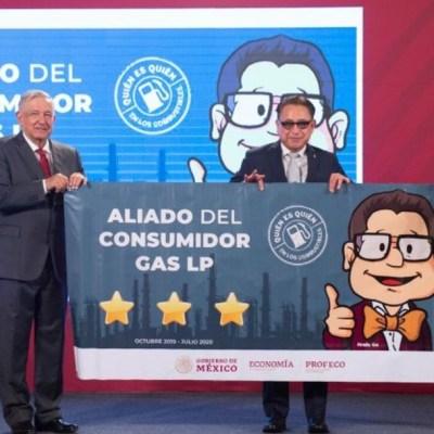 AMLO reconoce a gasolineros por precios justos de combustible