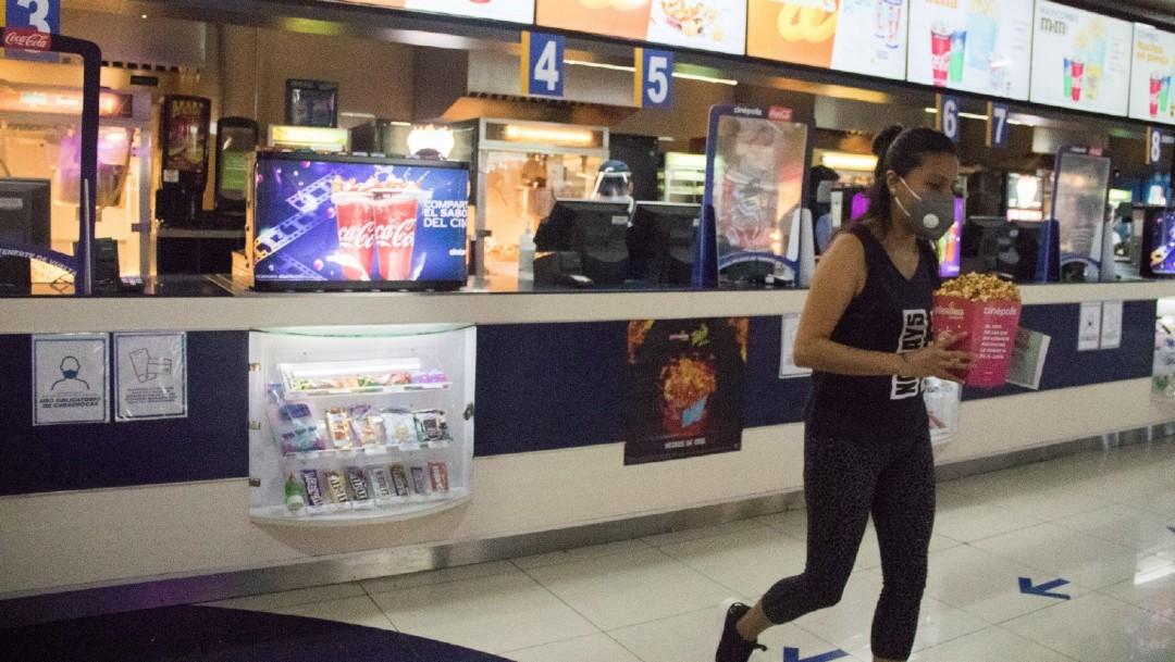 Así se llevó a cabo la reapertura de cines en la CDMX