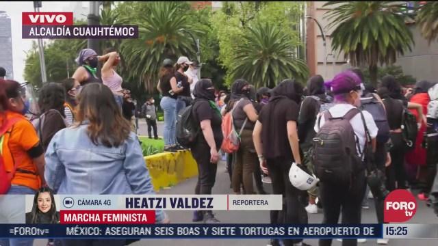 avanza marcha feminista en paseo de la reforma