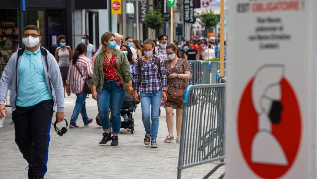 En un esfuerzo por evitar nuevos contagios de COVID-19, Bélgica prohibió los viajes no esenciales a varias regiones de España, Francia y Suiza