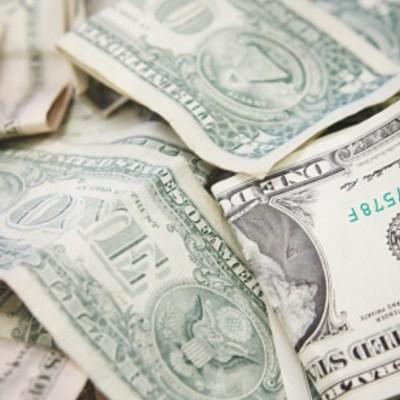 Billetes de un dólar en una mesa, ilustración