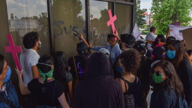 Grupos feministas marchan este domingo 16 de agosto para exigir justicia por el feminicidio de Mari Chuy, estudiante del IPN asesinada en 2016