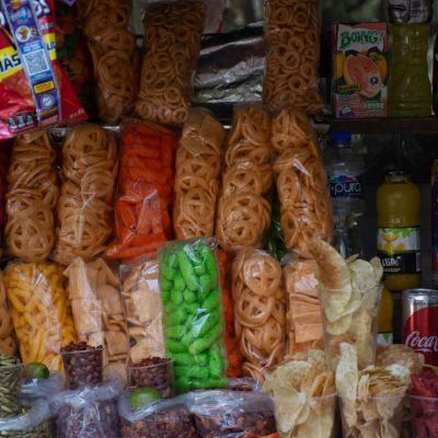 CDMX analiza prohibir venta de comida chatarra a niños