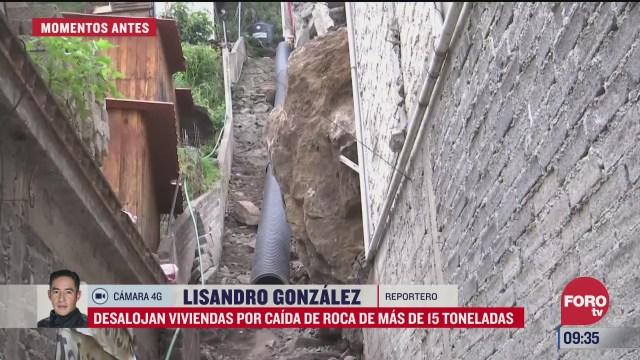 desalojan vivienda por caida de enorme roca en xochimilco