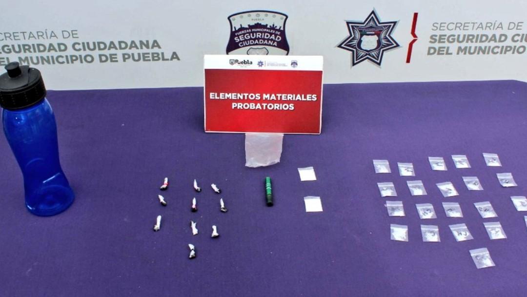 Detienen a menor con más de 30 dosis de droga en Puebla