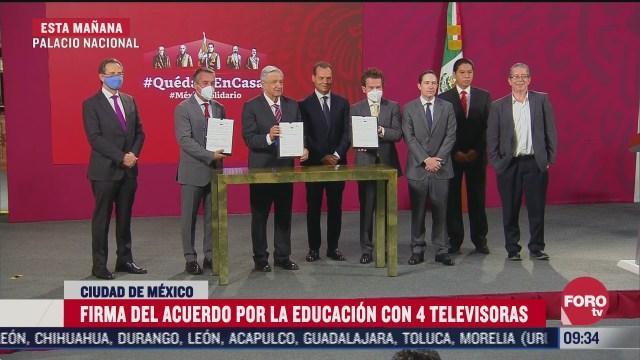 firma del acuerdo por la educacion con 4 televisoras