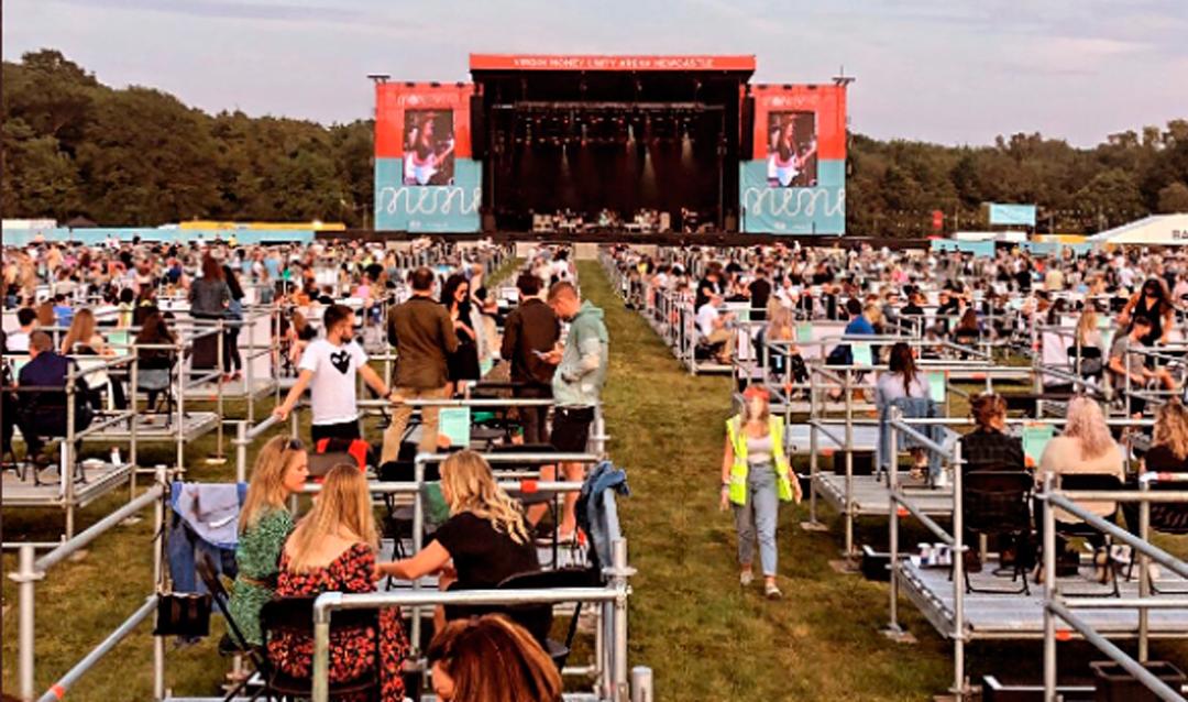 Fotos del primer concierto con distancia social en Newcastle, Inglaterra