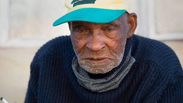 """El sudafricano Fredie Blom falleció este sábado 22 de agosto a los 116 años de edad. Sobrevivió a la gripe española, dos guerras mundiales y el """"apartheid"""" sudafricano"""